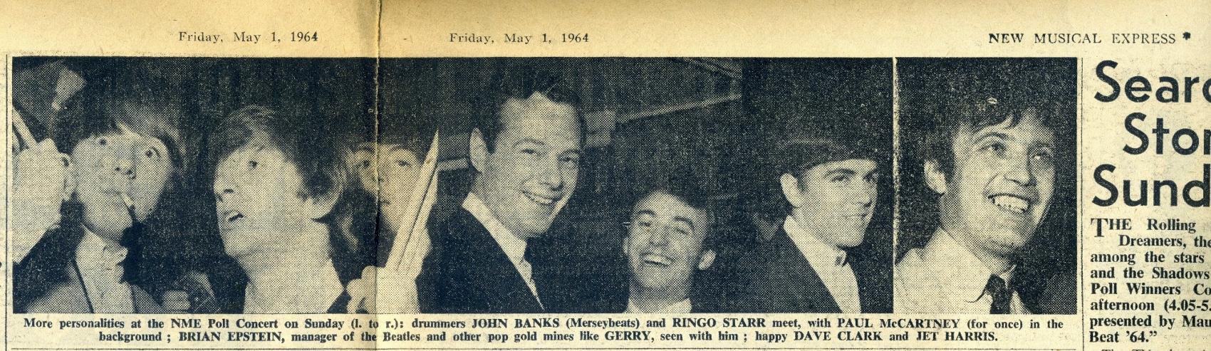 המתופפים ג'ון בנקס (מרסיביטס) ורינגו סטאר, עם פול מקארטני (לשם שינוי) ברקע